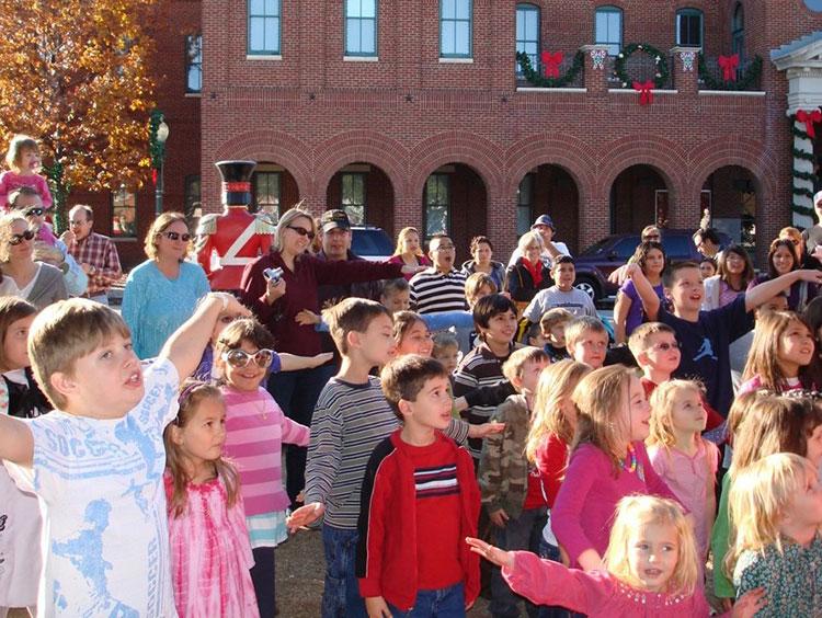 kidshows-christmas-on-main-st