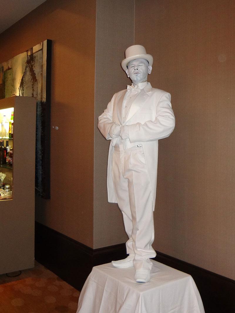statue-pedastal